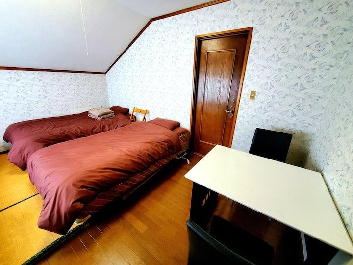 【A室】BBQ&リモートワーク特化ゲストハウス☆移住体験などにも最適☆白馬村へも45分の好アクセス!