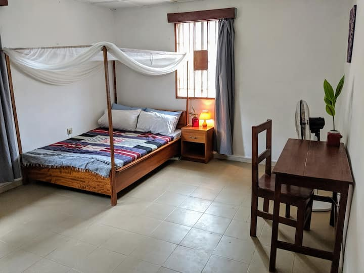 Pangolin house - comfortable room with WiFi