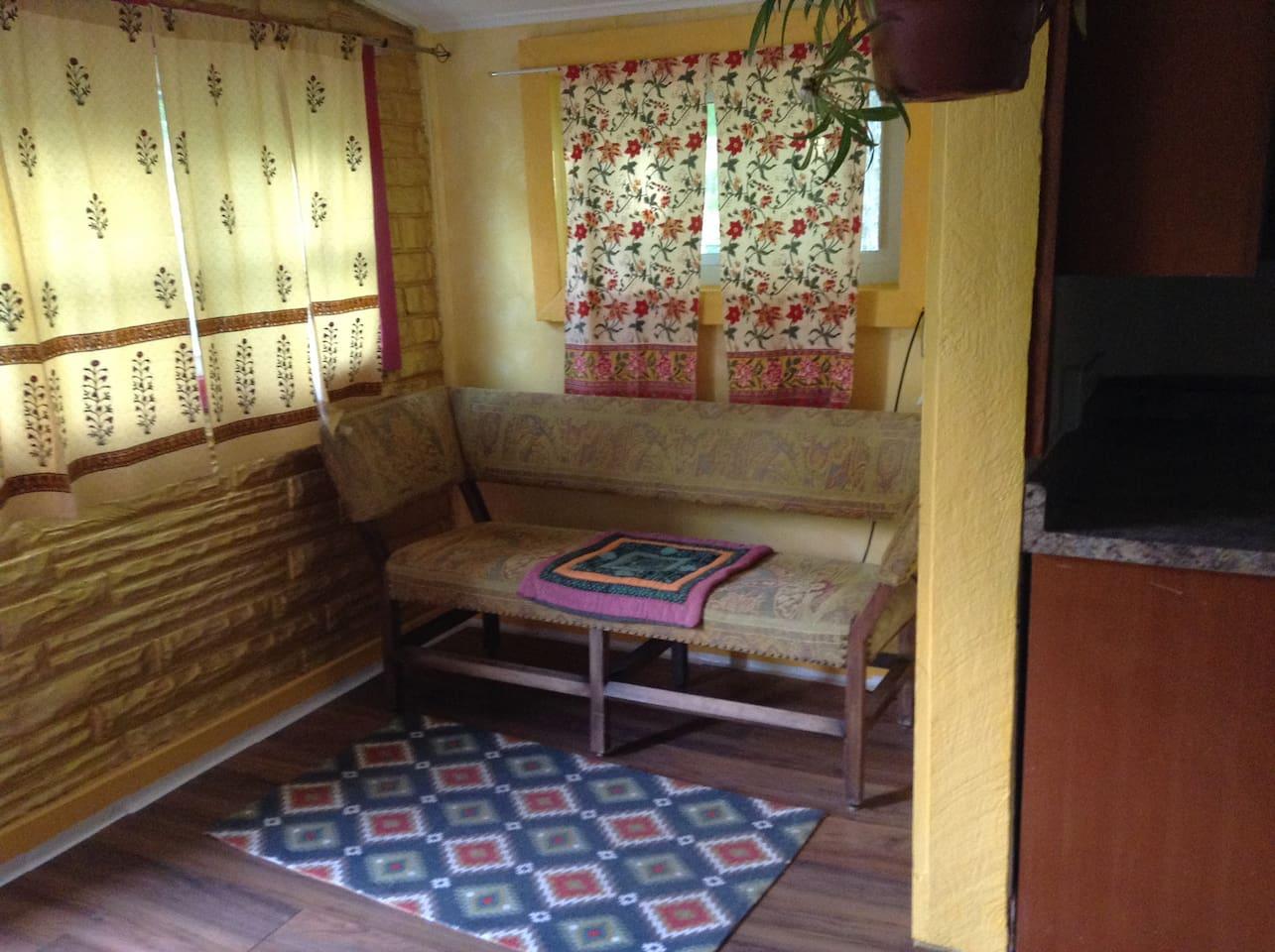 entrance/sitting room
