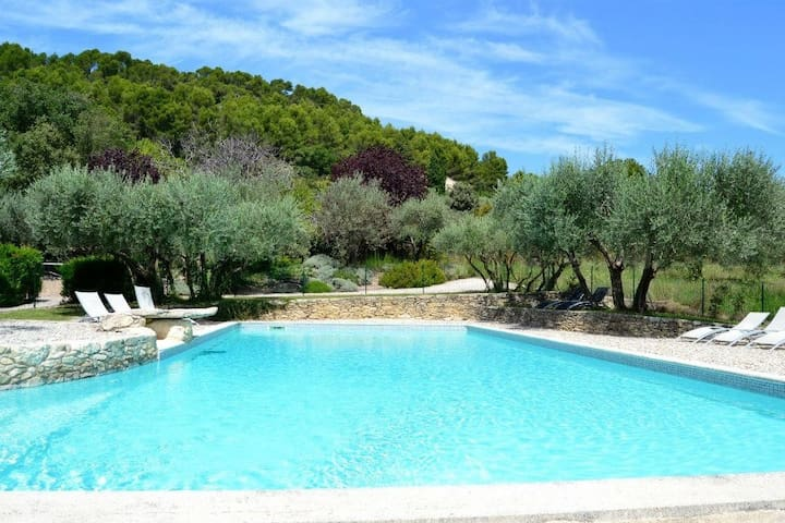 Villa au pied du Ventoux