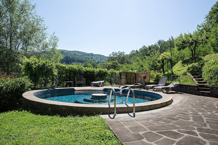 House with 3 bedrooms in Castelnuovo di Garfagnana, with wonderful mountain view, private pool, enclosed garden