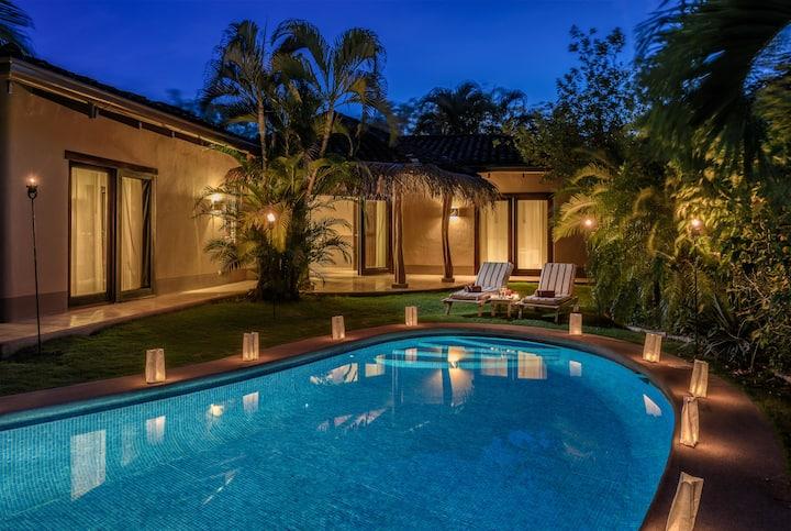 Casa con piscina privada en  Playa Tamarindo #2
