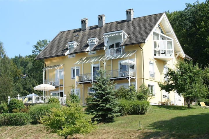 Buchenheim Seeappartement 1