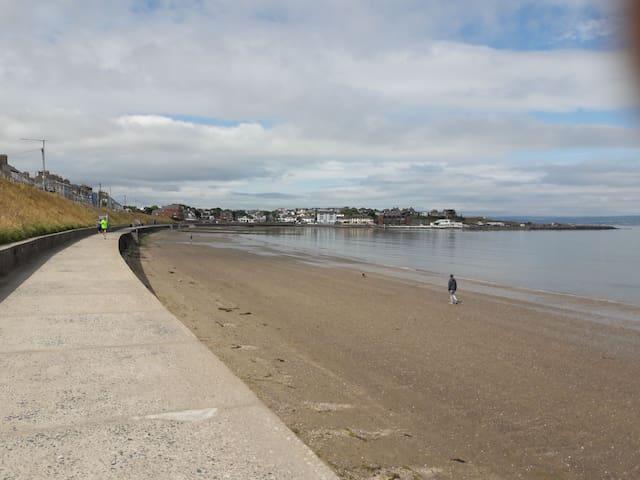 Relax in Ballyholme, Bangor