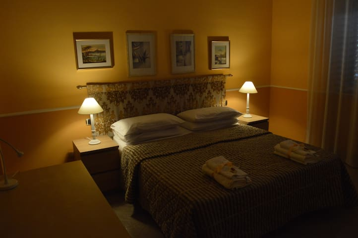 "B&B ""Le Camerette di Edda"" - Cassino - Bed & Breakfast"