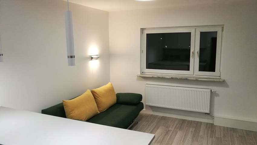 Comfortable studio only 20 min. to IEM (ICC KTW)