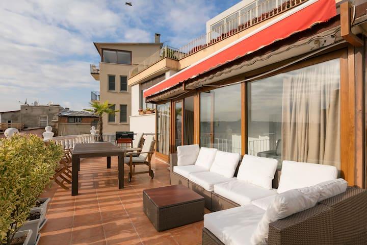 Unique Location w Terrace View@GALATA - Beyoğlu - Apartment