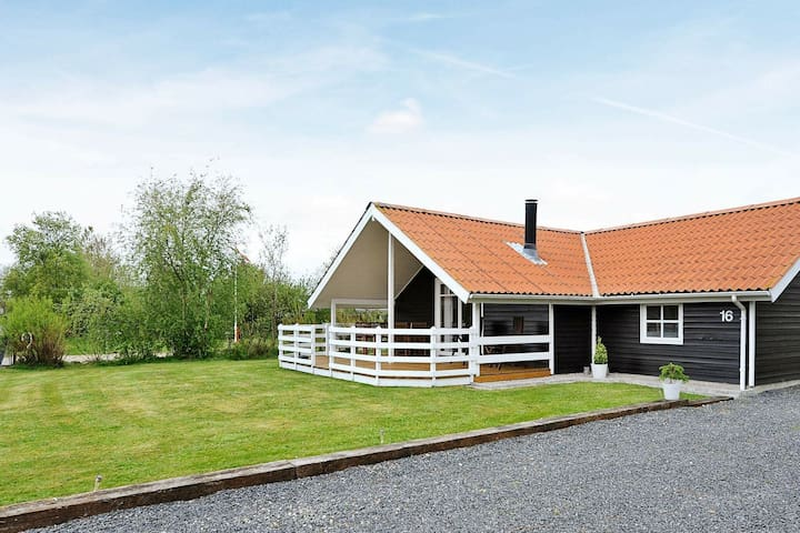 Spacious Holiday Home in Hemmet with Indoor Whirlpool