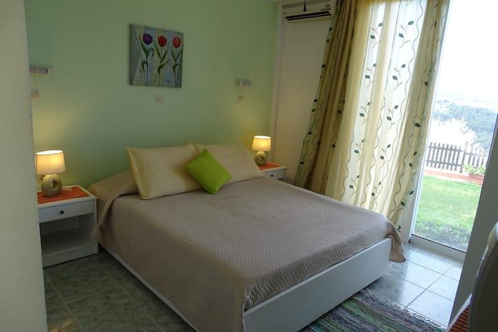 Green garden - Green room