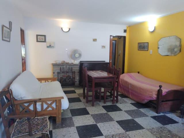 Mono ambiente villa Gesell para 2 personas.