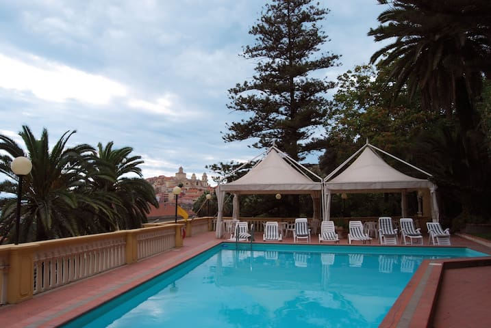 Studio for 2 pers with pool in Imperia R22807