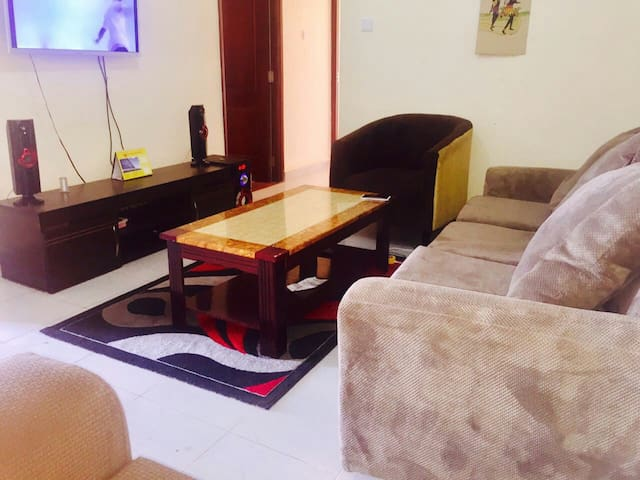 Tight security & a gd View roof top - Kampala - Apartment