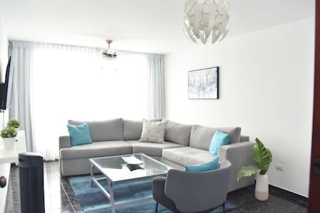 H2-2 Best Location in Santiago 10 min from Airport