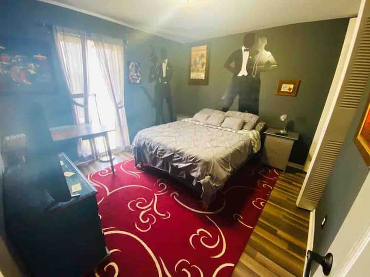 CLEAN Bedroom Bath near uptown Charlotte Panthers