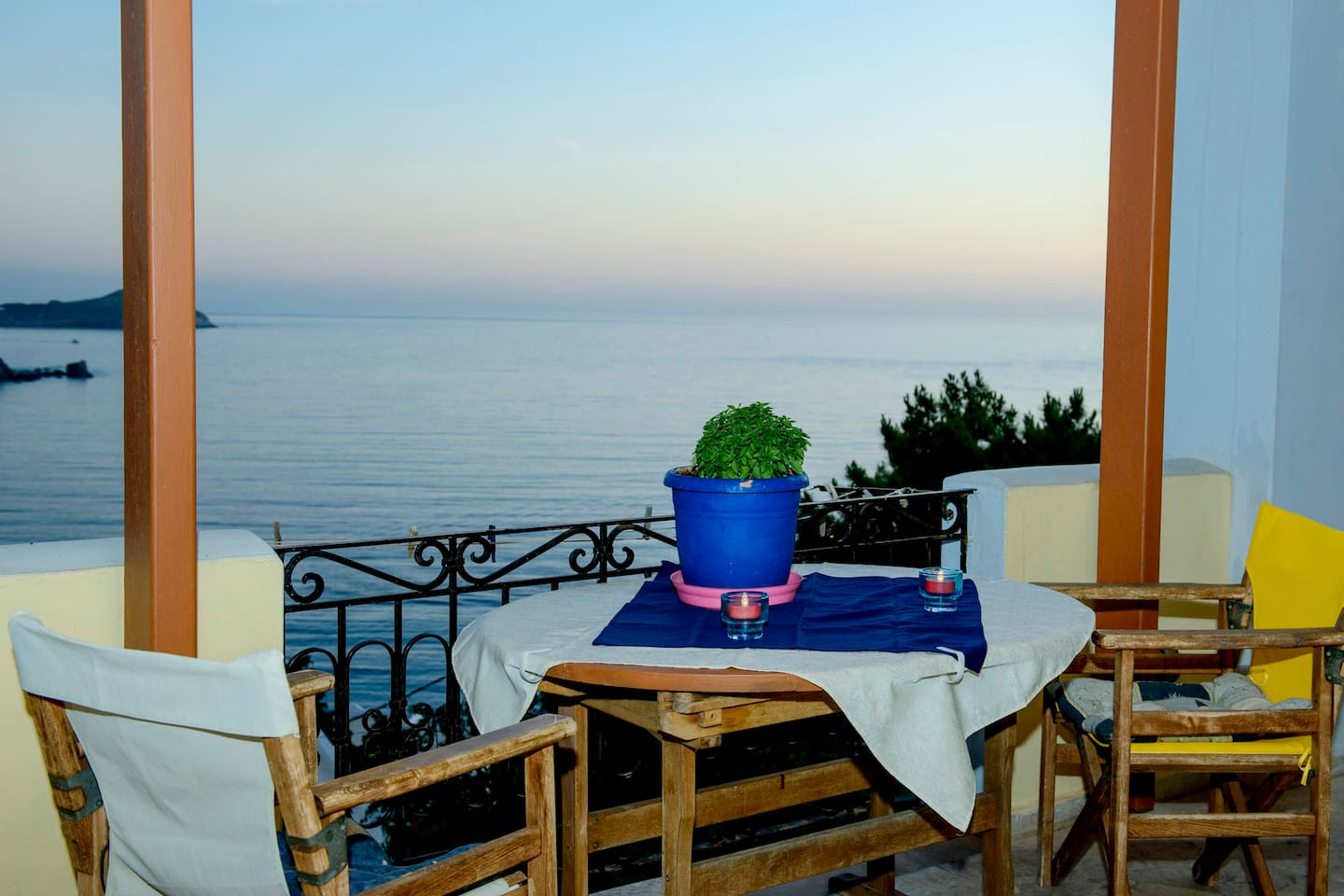 ONE OF TWO PRIVATE TERRACES/COVERED OF TWO BEDROOM APARTMENT WITH FANTASTIC SEAVIEW/SUNSETS