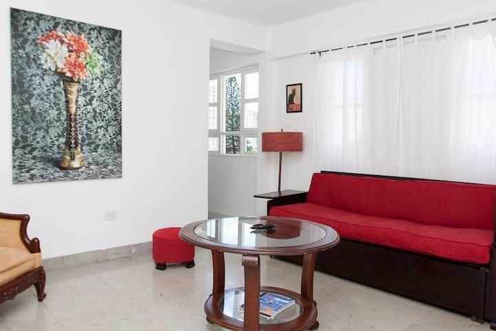 Apartamento independiente con WIFI en el Vedado