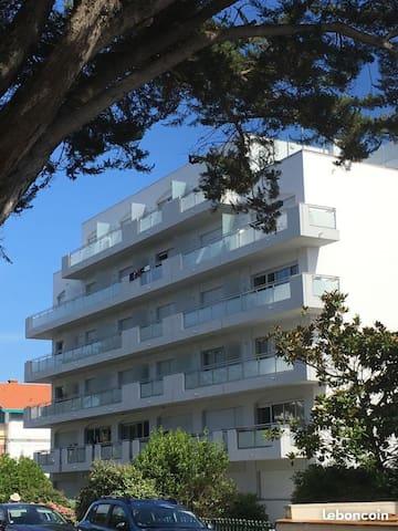 Studio 4 personnes 50m de la plage avec parking