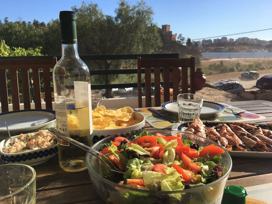 I could not resist, a brunch at Angrinha beach House today :-), fresh food from the local market