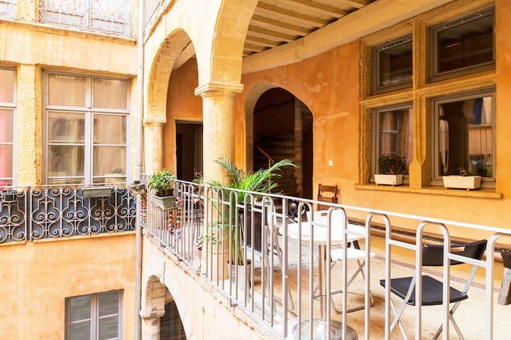 L'Hôte Vieux-Lyon: Historical flat  Check-in 24/24