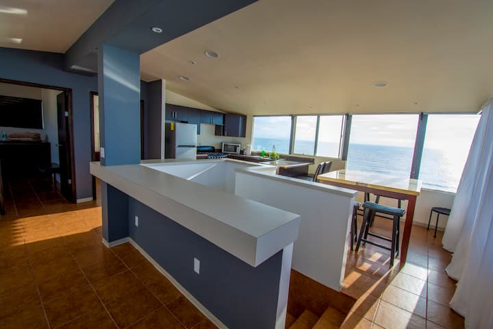 Panoramic Beach Views - 2 BDR Apt