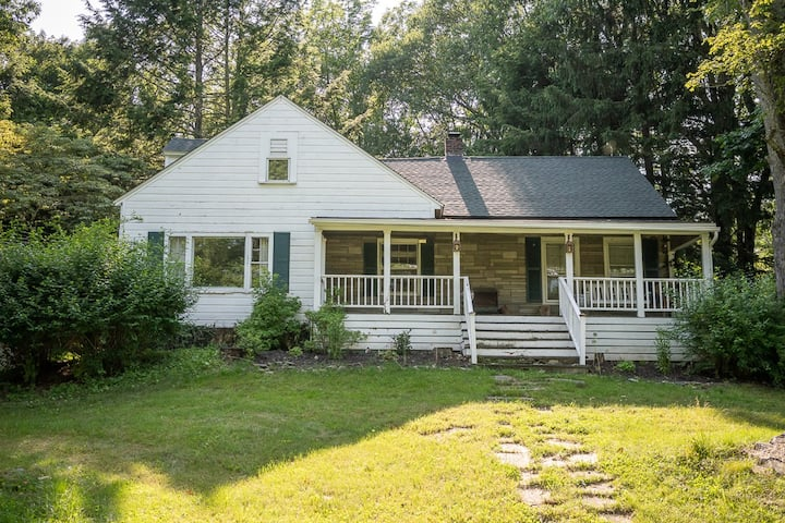 Radley Cottage; your home in the woods