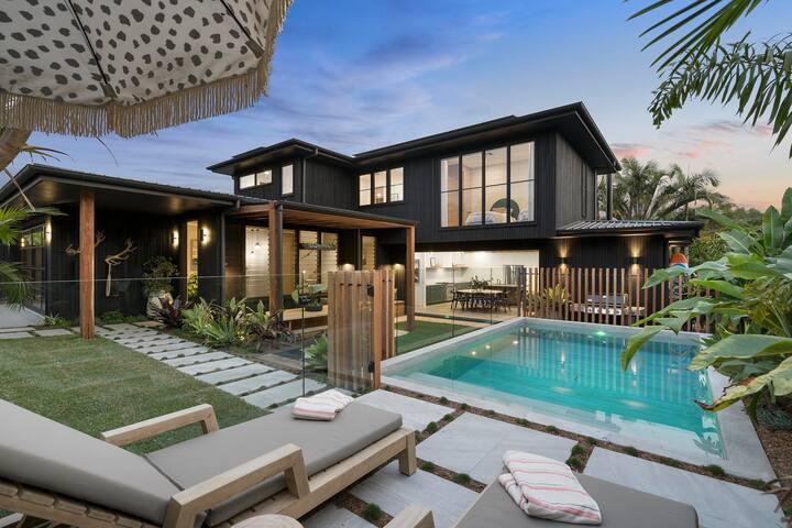 LUXICO | Barefoot Bay Villa - luxury designer home