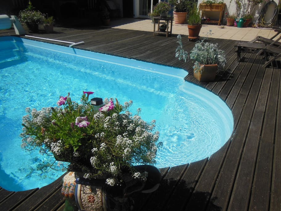 Charmante chambre biarritz piscine houses for rent in for Piscine biarritz