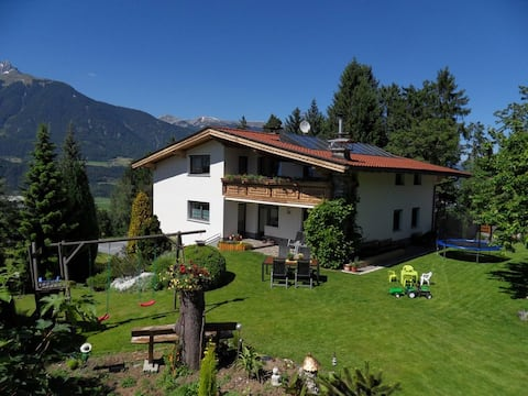 Apartment til 4 pers. in Tyrol with mountain views