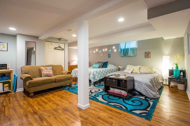 ✯ Entire unit to yourself Evanston Cozy getaway ✯