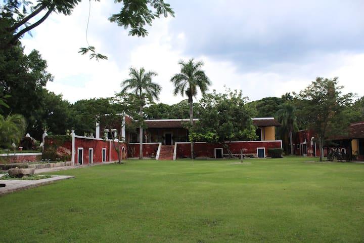 Habitación doble en Hacienda Poxila - Itzincab Palomeque