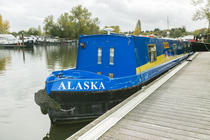 Alaska - 2 Bedroom Narrow Boat - Chertsey - Boot