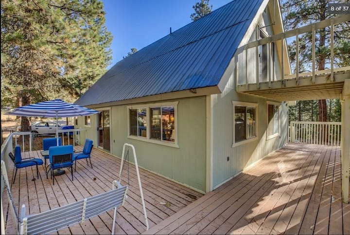 Serene Cascade Cottage, Fenced Yard, 1 Acre