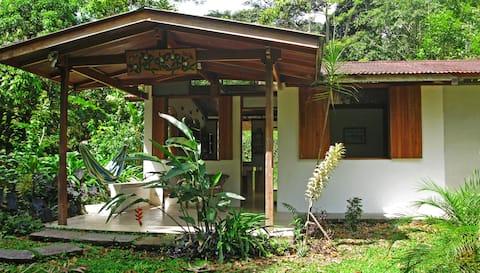 Beautiful Guest House La Guaria at Finca Isla