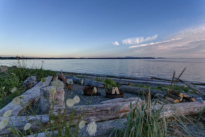 Charming Bungalow on Birch Bay - #2