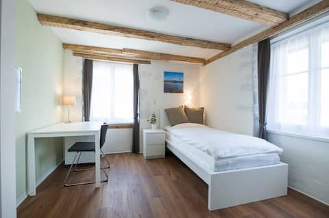 Schönes Studio-Zimmer im Zürcher Oberland