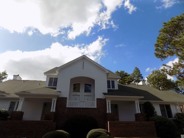 'U.S. Open' Condo - Golf Cottage at Longleaf Country Club - Sleeps 4