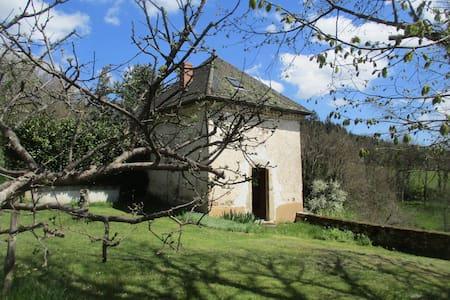 Chapelle réaménagée en duplex - Saint-Just-en-Chevalet - Ev
