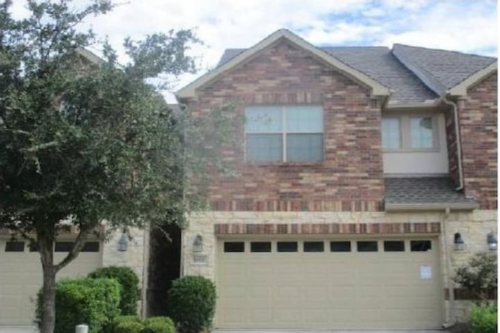 Fairview Shared Townhouse