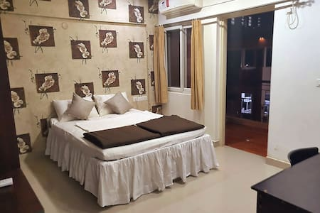 Private Home Stay for 2, near Airport & Manyata