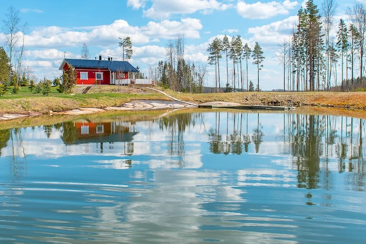 Cottage for relaxing and swimming + golfing