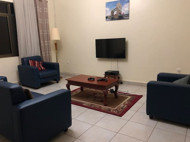 Safe & Cozy Home with UNLIMITED INTERNET, NETFLIX