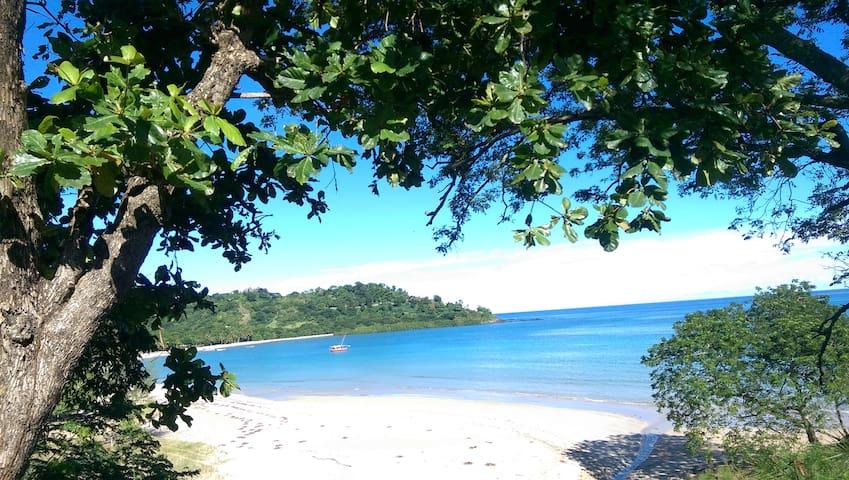 Bungalow à 2 pas de la plus belle plage de Nosy Be - Andilana