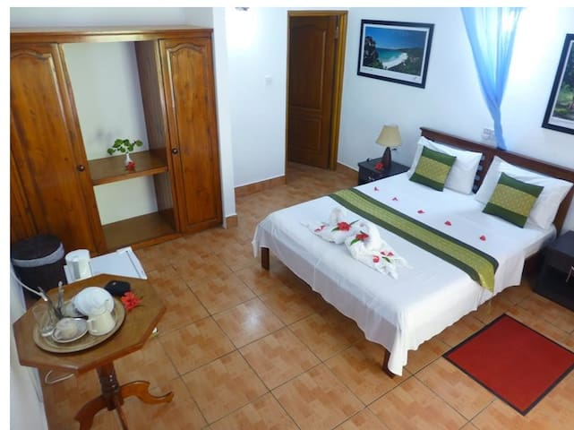 Double Room with balcony - Zerof Guest House