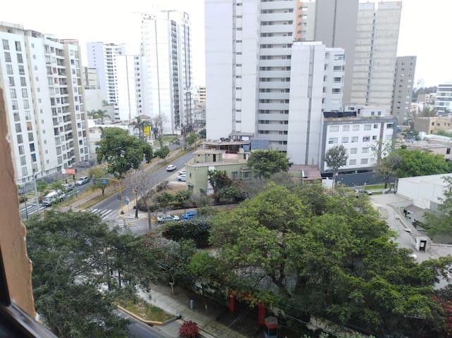 Moderno y Hermoso departamento con Vista a Lima!