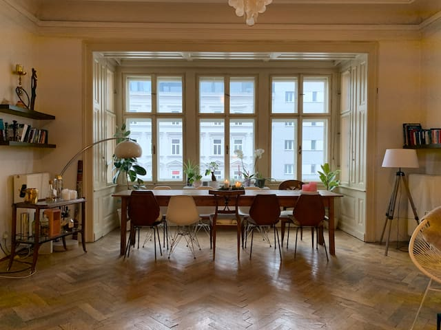 spacious & bright room in the heart of Vienna