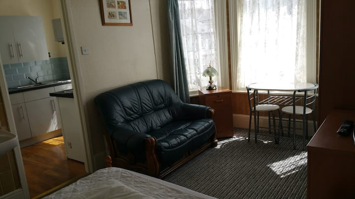 Glen Villa Self Catering 2 berth flat Gt Yarmouth