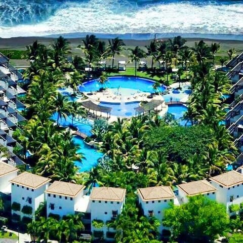 Beachfront Apartment in Monterrico - Monterrico - Pis