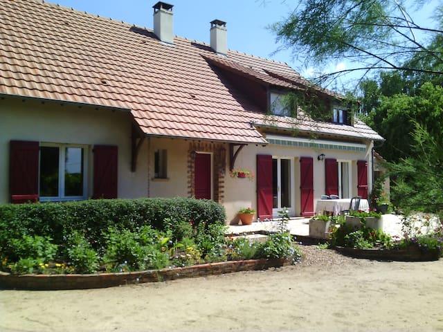 Chambre dans grande maison - Roézé-sur-Sarthe - Guesthouse