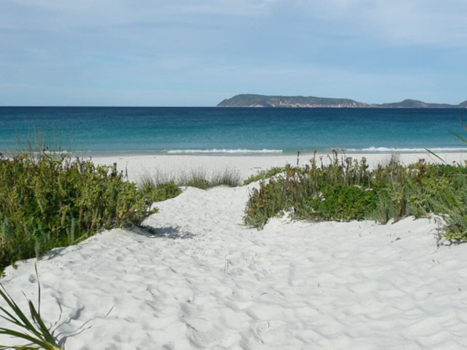 Middleton Bay, a short stroll over the sand dunes....don't forget the frisbee and fishing rods