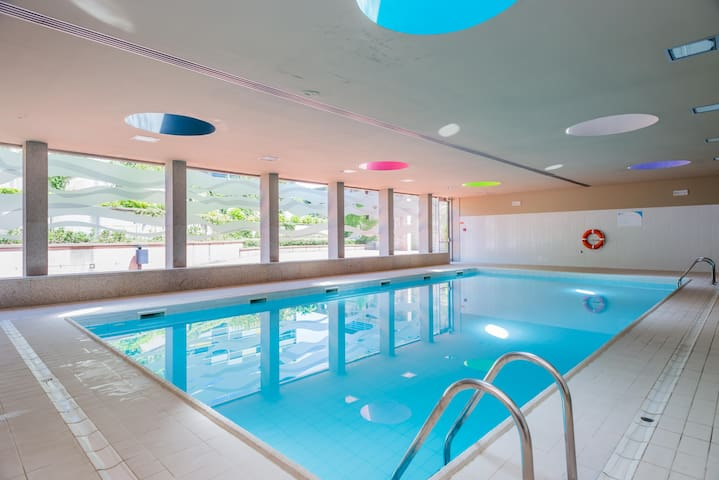 Luxury 2 + Pool + Sauna + Jacuzzi + Spa + Gym